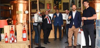Il presidente Bui in visita allo stabilimento Luxardo di Torreglia