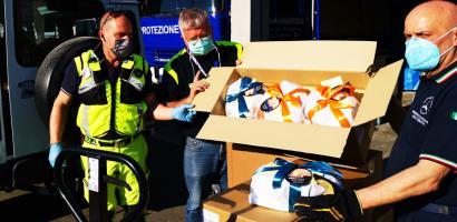 protezione civile riceve colombe pasquali